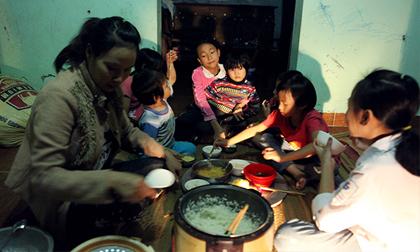 Những lần vượt cạn 'siêu tốc' của người phụ nữ 29 tuổi đẻ 8 con ở Hà Nội