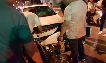 Hải Phòng: 'Xe điên'' đâm hàng loạt xe máy dừng đèn đỏ khiến nhiều người nhập viện
