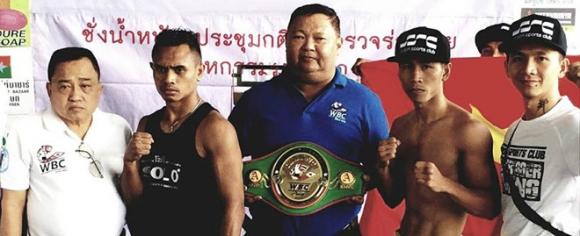 Dam guc doi thu sau 40 giay, Tran Van Thao doat dai WBC lich su hinh anh 1