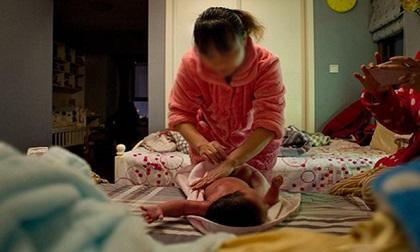 """7 dấu hiệu cho thấy người giúp việc chăm trẻ """"có vấn đề', mẹ cần phải cảnh giác"""