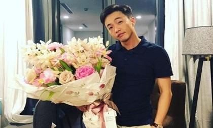 Sau bao ngày úp mở, cuối cùng Đàm Thu Trang cũng đăng ảnh cận mặt Cường Đô La, công khai nói lời yêu
