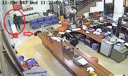 Vụ cướp ngân hàng táo tợn: 'Kẻ cướp nổ súng về phía bảo vệ khi người này rút súng'