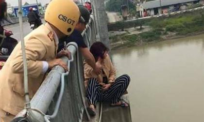 Thái Bình: Gay cấn màn giải cứu phụ nữ định nhảy cầu tự tử
