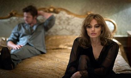 Sau 1 năm 'đường ai nấy đi', Angelina Jolie lần đầu tiết lộ nguyên nhân chia tay Brad Pitt