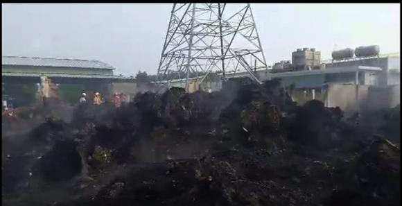 Đám cháy trùm lên lưới cao thế, toàn Vũng Tàu mất điện - Ảnh 4.