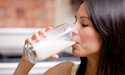Những người tuyệt đối không nên uống sữa vào buổi sáng