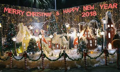 Giáng sinh ở Sài Gòn: 'Lạc lối' ở 2 khu phố nhà giàu