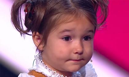 Thần đồng ngôn ngữ 4 tuổi nói được 7 thứ tiếng gây chấn động thế giới