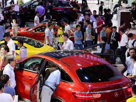 Những mẫu xe giảm giá mạnh nhất năm 2017 - 1