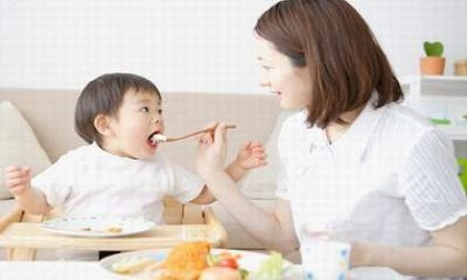 10 loại thực phẩm giúp con cao lớn dù cha mẹ lùn đến mấy