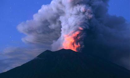 Thầy tu tiên tri 'lạnh gáy' về núi lửa Bali