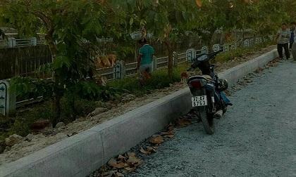 Nam thanh niên tử vong cạnh xe máy trong tư thế treo cổ