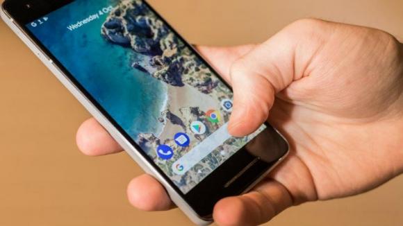 """Top 11 smartphone mới làm """"nóng"""" làng công nghệ 2018 (P1) - 1"""