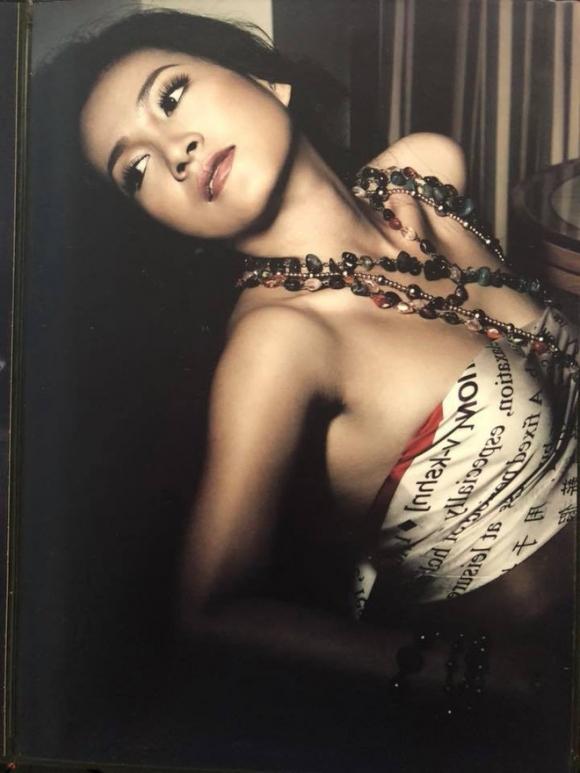 Ai mà ngờ cách đây 12 năm, bà xã đại gia của Bình Minh lại xinh đẹp và nóng bỏng thế này