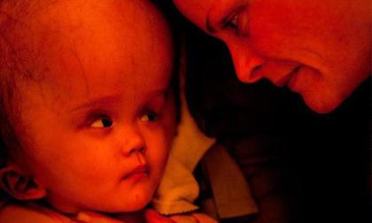 6 câu chuyện đặc biệt về những em bé 'lấy nước mắt' cộng đồng mạng năm qua