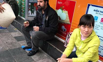 Hà Nội: Bắt giữ 'nữ quái' chặt chém khách tây 80.000 đồng/4 chiếc bánh rán