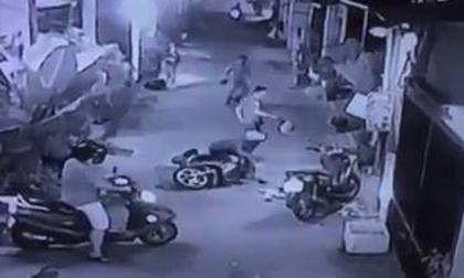 Dàn cảnh đánh người, cướp xe trên phố Sài Gòn
