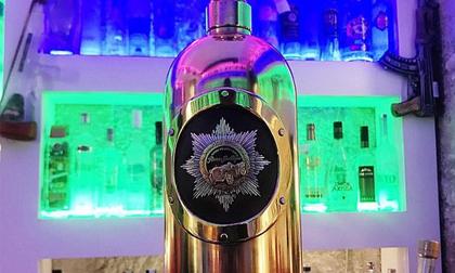 Trộm chai vodka đắt nhất thế giới, uống cạn rồi vứt bỏ
