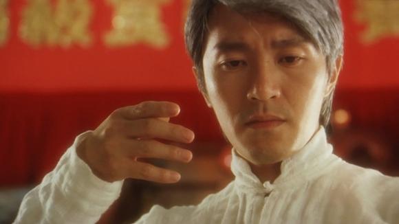 Rất nhiều người nghĩ tính cách của Châu Tinh Trì ngoài đời cũng giống như các vai diễn trên phim. Thực ra là hoàn toàn ngược lại.