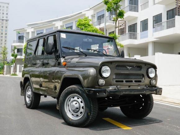 Xe Nga tại Việt Nam có giá từ 390 triệu đồng - 1