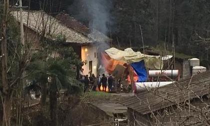 Chồng đốt nhà sát hại vợ và 5 đứa cháu nội rồi uống thuốc sâu tự tử