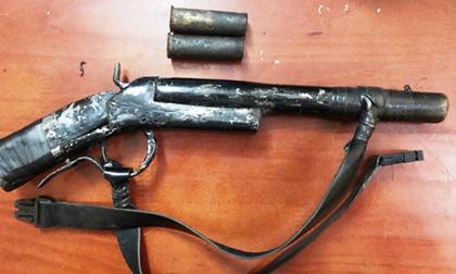 Rút súng bắn, 1 nghi phạm trộm chó bị đánh 'hội đồng' tử vong