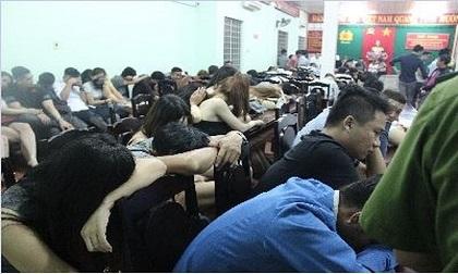 Gần 100 nam nữ 'phê' ma túy trong nhà hàng lúc rạng sáng