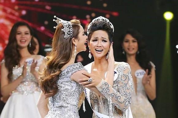 Tuyên bố hạn chế dùng mạng xã hội nhưng Tân Hoa hậu HHen Niê đã mở lại facebook sau 1 tuần đăng quang - Ảnh 2.