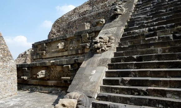 Lí do 15 triệu người Mexico chảy máu mắt chết 500 năm trước - 1