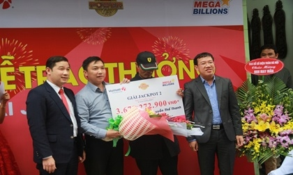 Khách hàng Thanh hóa ra Hà Nội lĩnh giải Jackpot 3,6 tỷ đồng