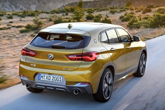 BMW X2 hoàn toàn mới có giá từ 900 triệu đồng - 2