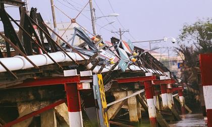 Vụ sập cầu Long Kiểng trong đêm: Xác định danh tính tài xế xe máy đang lưu thông thì cầu sập