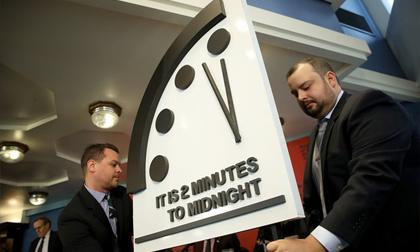 'Đồng hồ Tận thế' báo thời điểm nhân loại hủy diệt còn 2 phút
