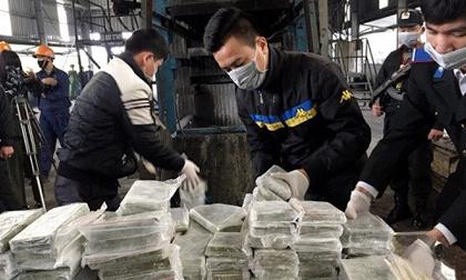 Tiêu hủy 300 bánh heroin trùm ma túy vận chuyển bằng xe Fortuner