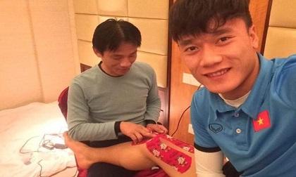 Cầu thủ U23 Việt Nam được chăm sóc từng bộ phận trên cơ thể
