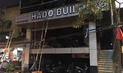 Giải cứu 17 người mắc kẹt trong đám cháy ở nhà hàng