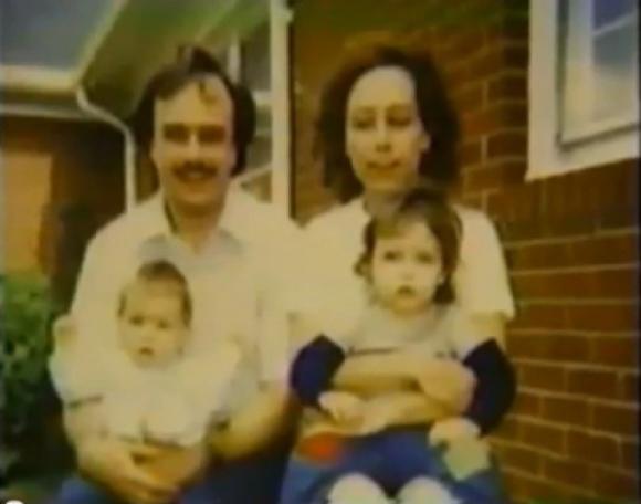 Kết hôn nhưng mãi không sinh được con, cặp vợ chồng nhận 2 đứa bé làm con nuôi rồi nhận ra sự thật khủng khiếp - Ảnh 1.