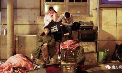 Cuộc đại di cư TQ: Giá rét 2 độ C không ngăn được những trái tim về nhà đón Tết