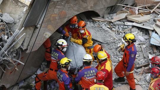 Động đất Đài Loan: Cặp đôi đến chết vẫn còn ôm nhau - Ảnh 1.