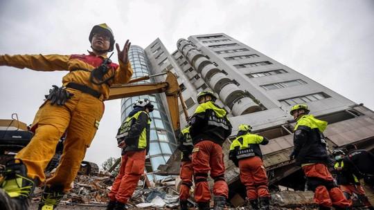Động đất Đài Loan: Cặp đôi đến chết vẫn còn ôm nhau - Ảnh 3.
