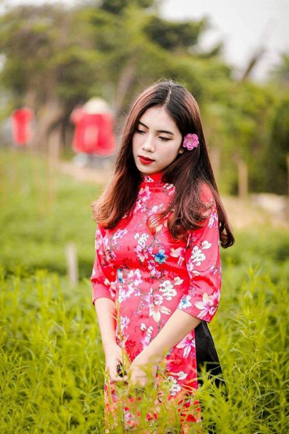 """""""Hot girl đấu vật"""" gây bão hội làng Hải Phòng vì quá xinh đẹp - 3"""