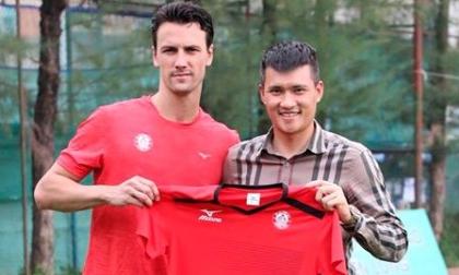 Đội bóng của Công Vinh thanh lý hợp đồng với cựu tiền vệ Man Utd