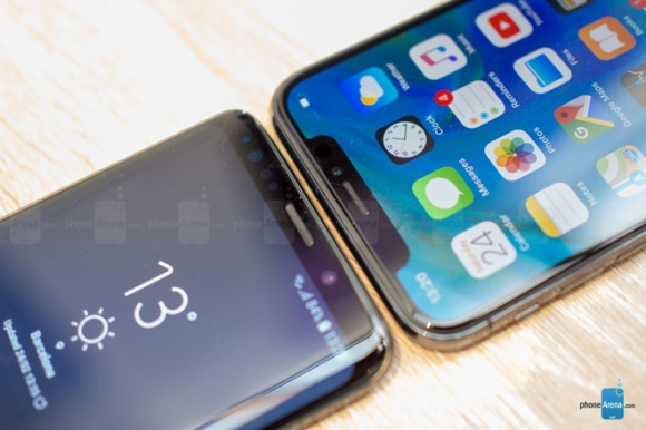 Galaxy S9 đọ dáng cùng iPhone X: Song long tranh bá - 10