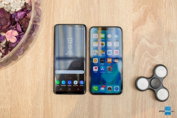 Galaxy S9 đọ dáng cùng iPhone X: Song long tranh bá - 3