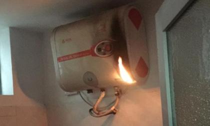 Bình nóng lạnh bỗng dưng bốc cháy khi đang bật, cư dân mạng hãi hùng