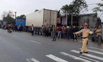 Va chạm kinh hoàng giữa xe khách và xe tải, 2 người chết tại chỗ