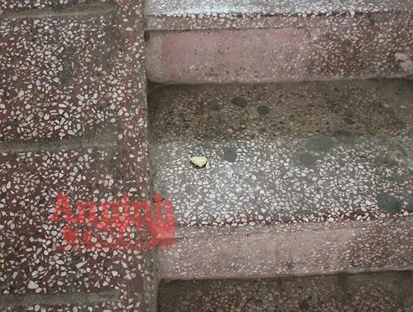 Cận cảnh hiện trường vụ án cô gái tử vong do bị ca sĩ Châu Việt Cường nhét tỏi vào miệng - Ảnh 2.