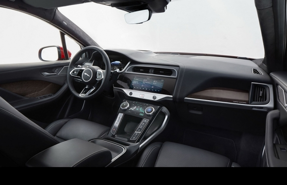 SUV chạy điện Jaguar I-PACE 2019 mới có giá từ 1,9 tỷ VNĐ - 4