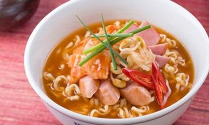 7 loại thực phẩm mẹ tuyệt đối đừng cho bé ăn trước giờ đi ngủ
