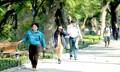 Dự báo thời tiết 11/3: Hà Nội hanh khô, TP.HCM nắng đổ lửa 40 độ C